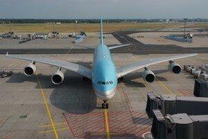 Fluggerätmechaniker moderner Arbeitsplatz